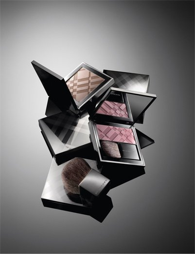 Sheer Eye Shadow, Taupe Brown; Light Glow, Cameo; and Burberry Beauty Brush.