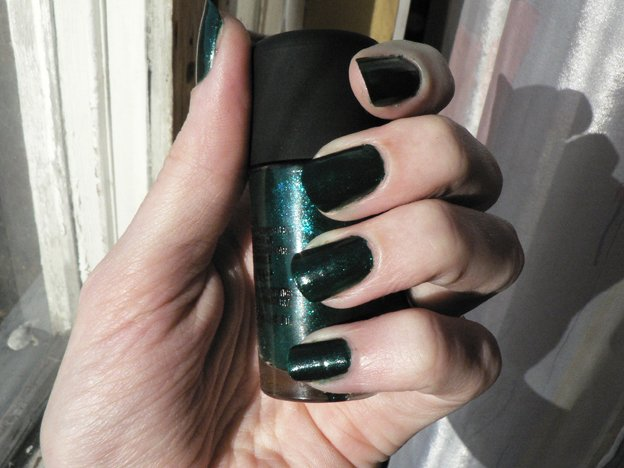 opi-jade-dragon-nails