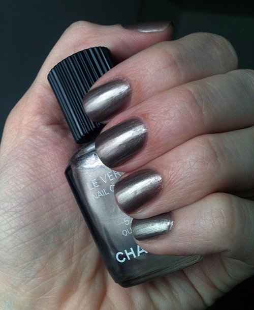 chanel-quartz-swatch-2