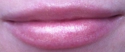 dior-gold-lipstick-swatch-2