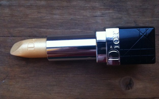 dior-gold-lipstick
