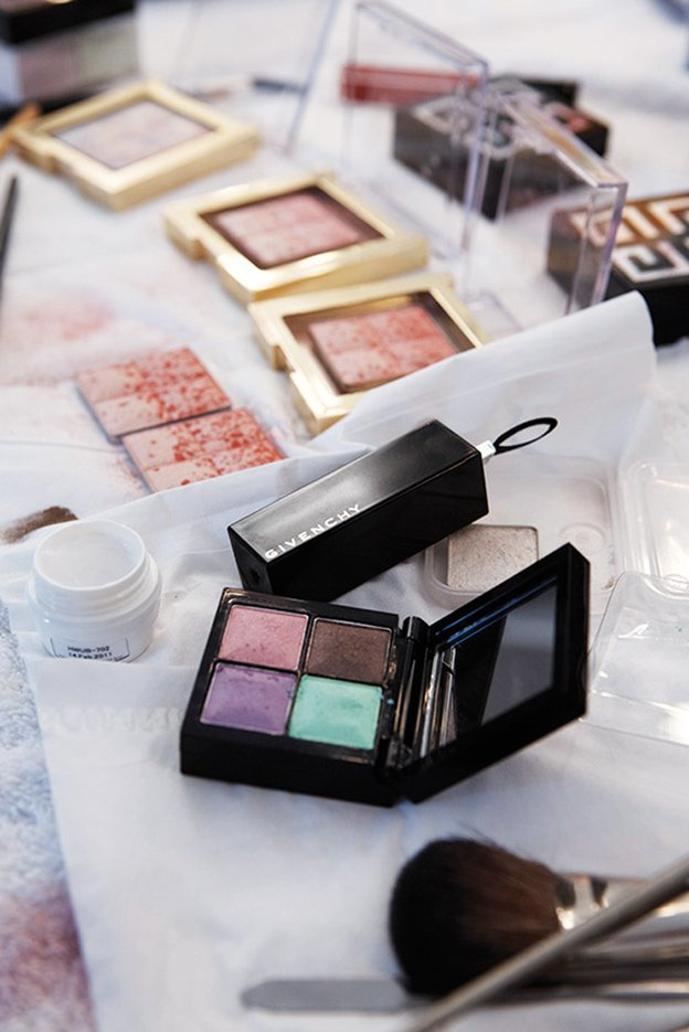 givenchy-instant-bucolique-spring-2012-makeing-of2