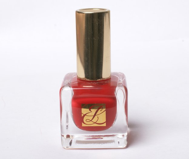 Estee-Lauder-Pure-Red-nail-polish