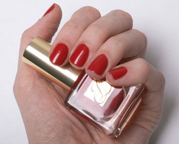 Estee-Lauder-Pure-Red-swatch-2