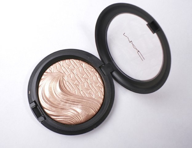 MAC-Extra-Dimension-Skinfinish-Superb-2
