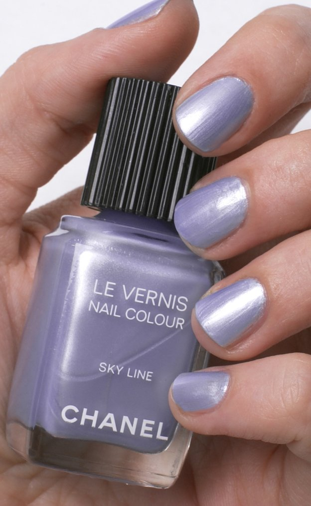 chanel-nail-color-sky-line-swatch