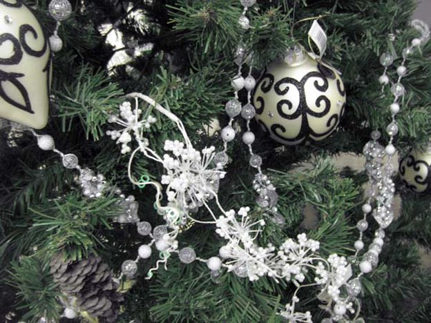 christmas-black-white-horis
