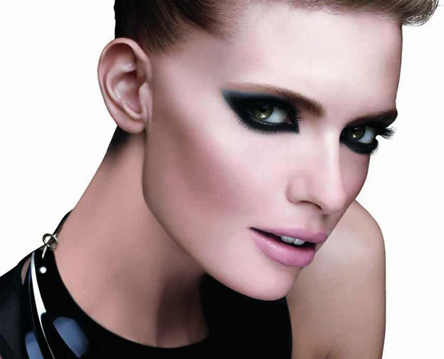 maybelline-master-smoky-eyes-colossal-visual
