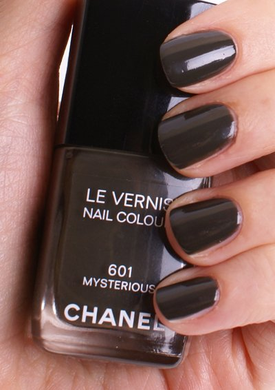 chanel-601-mysterious-swatch2