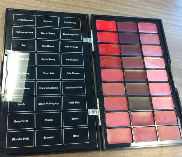bobbi-brown-red-lipstick-gamme