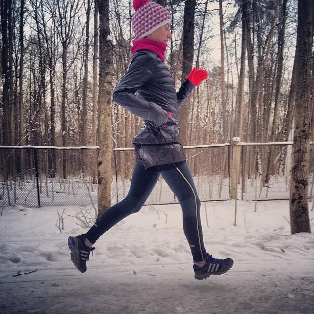 anna-kosova-winter-running2