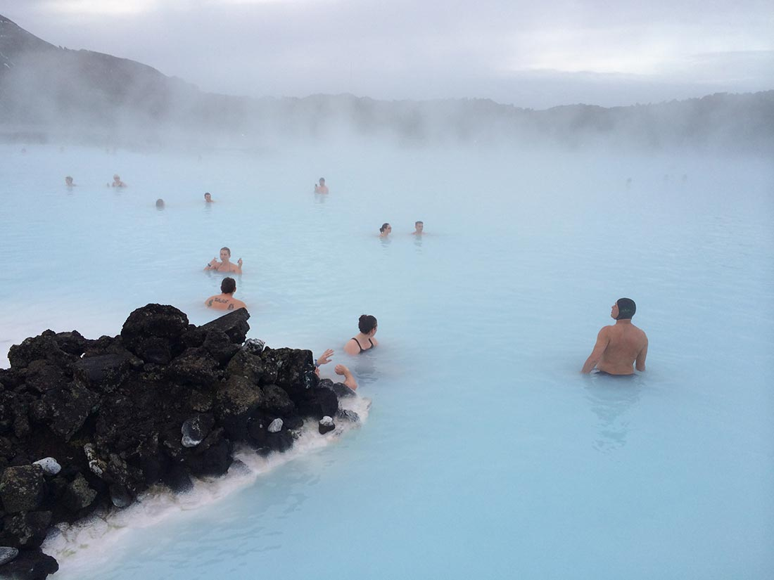 iceland-blue-lagoon-bathing