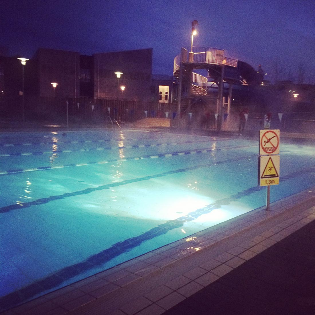 iceland-waterpool2