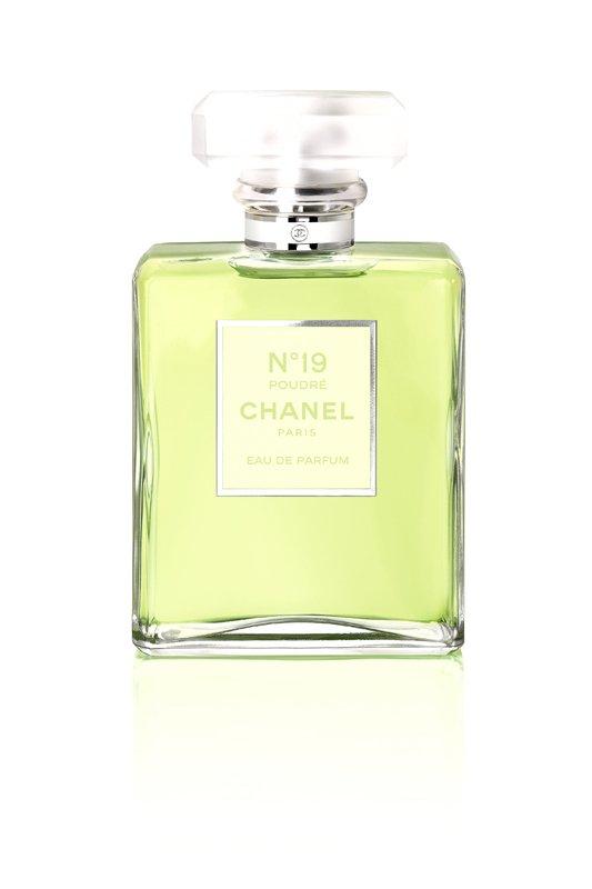 chanel-19-bottle