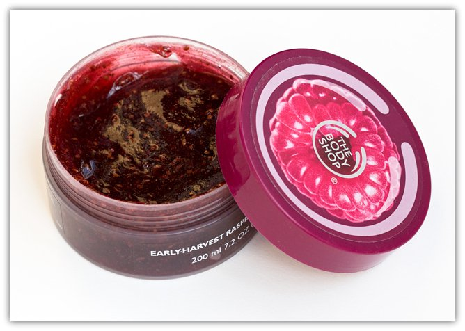 Body-Shop-Raspberry-Body-Scrub-2