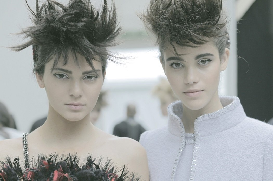 chanel-haute-couture-fall-winter-2014-2015-backstage