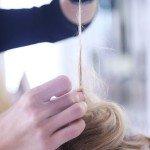 Стягиваем волосы к корням