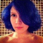 В августе я вышла из больницы, где лежала почти два месяца, и тут же покрасилась в синий.