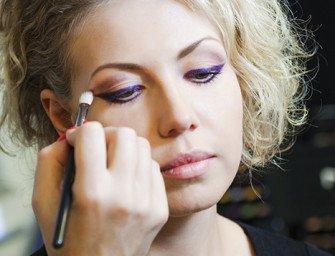 Как создать модный макияж с подиума? Цветные стрелки