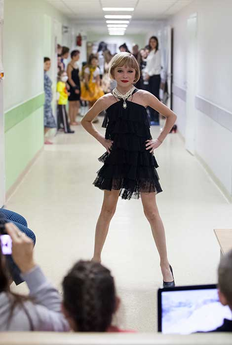 Miss Russia — Childrens Clinic — 10