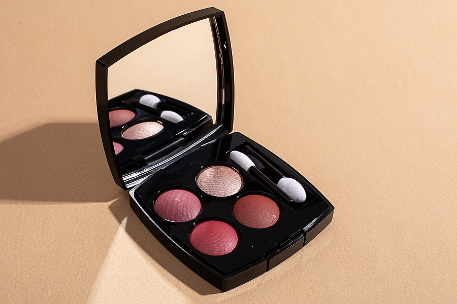 Chanel Candeur et Experience Les 4 Ombres  N364