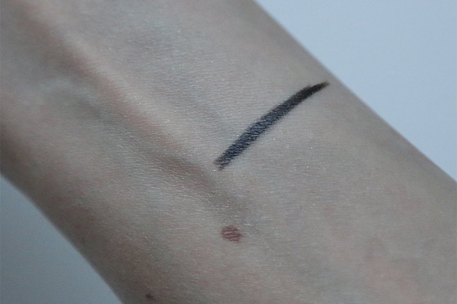 Chanel - Spring 2015 Makeup Collection - Liner Swatch