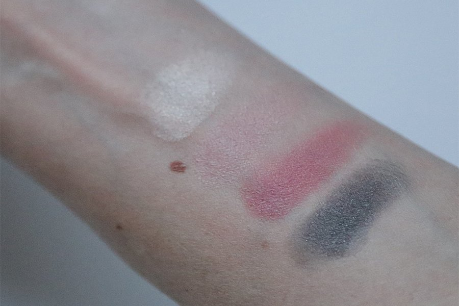 Chanel - Spring 2015 Makeup Collection - Shadow & Blush Swatch