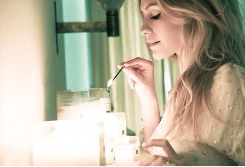 Jo-Malone-London-Girl-Poppy-Delevigne-candles