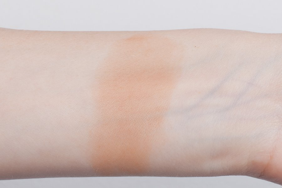 smashbox-bronze-lights-warm-matte-swatch