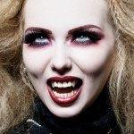 Белая кожа, красные веки - классика вампирского макияжа