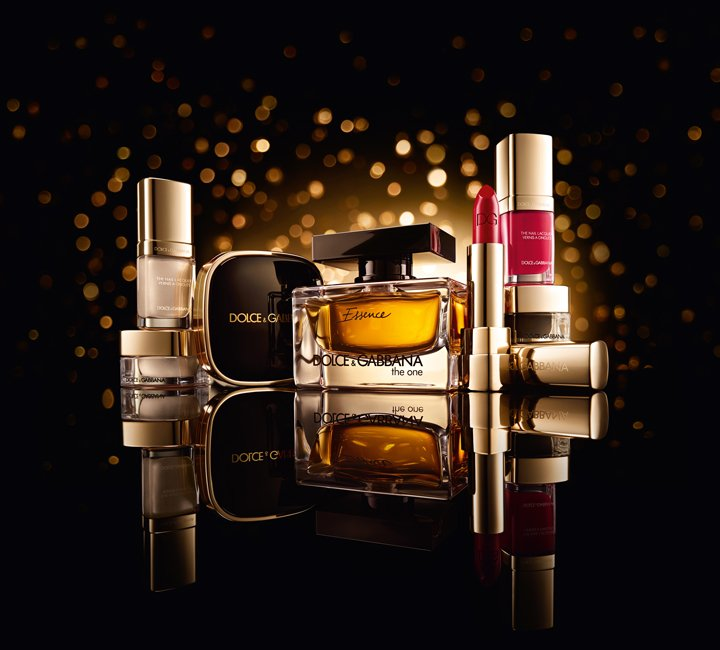 Dolce-&-Gabbana-Christmas-2015 The Essence of Holiday