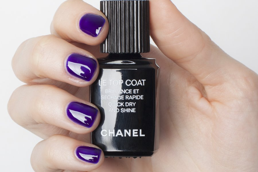 chanel le top coat swatch