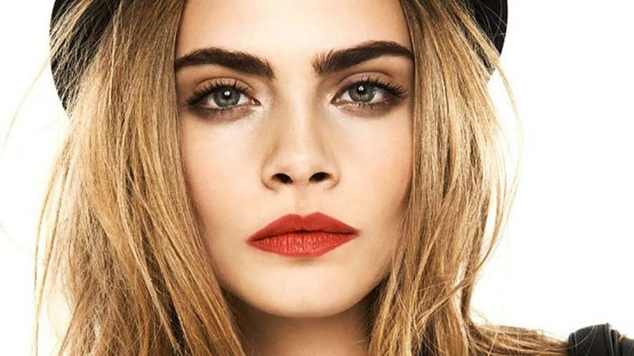 cara-delevingne-takes-aim-at-dc-and-says-comic-book-movies-are-sexist-is-she-wrong-480708