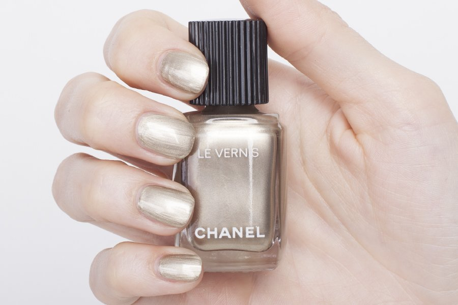 chanel le vernis 532 swatch