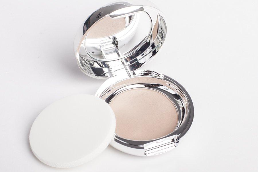 erborian touch au ginseng creamy powder compact
