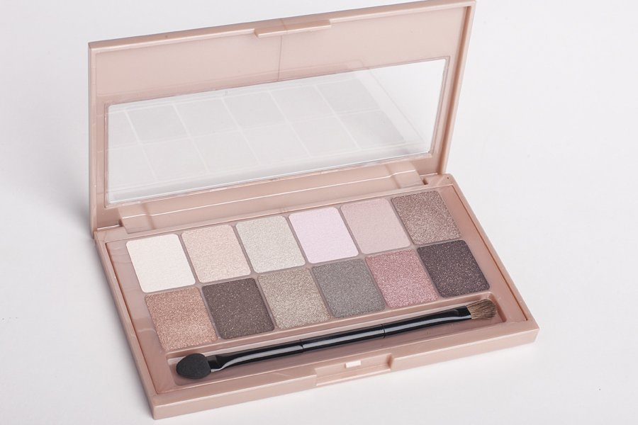 maybelline the blushed nudes 1
