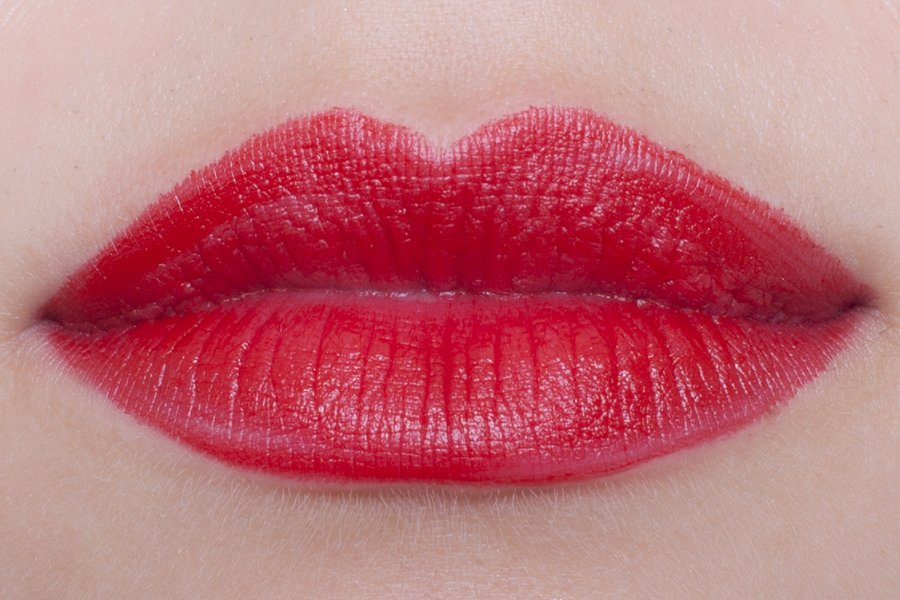 chanel rouge allure velvet 56 rouge charnel swatch