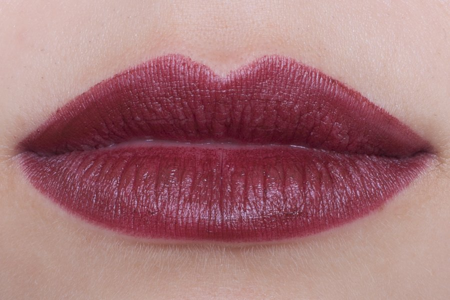 chanel rouge allure velvet 59 rouge audace swatch