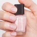 chanel-le-vernis-velvet-nail-colour-542-swatch-1