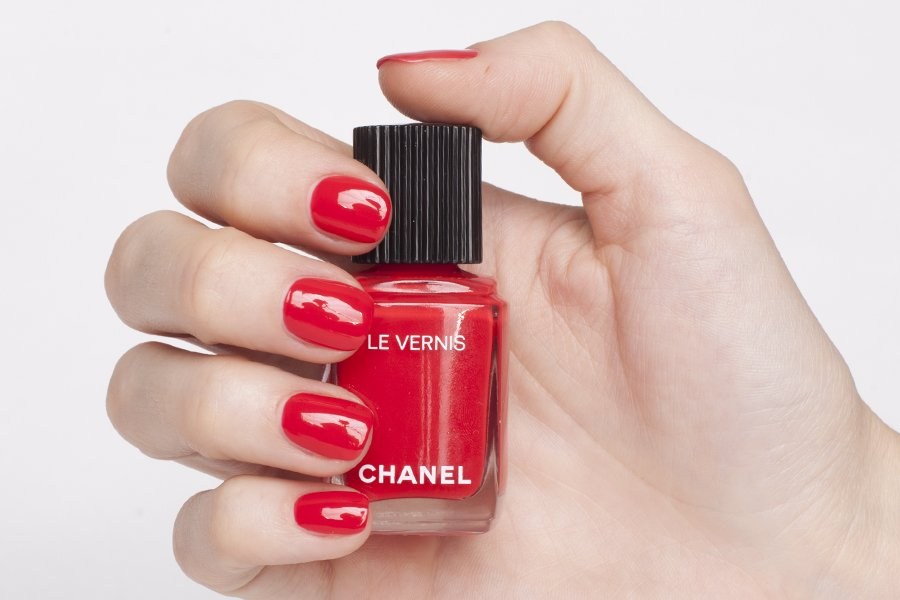 chanel 546 rouge red swatch