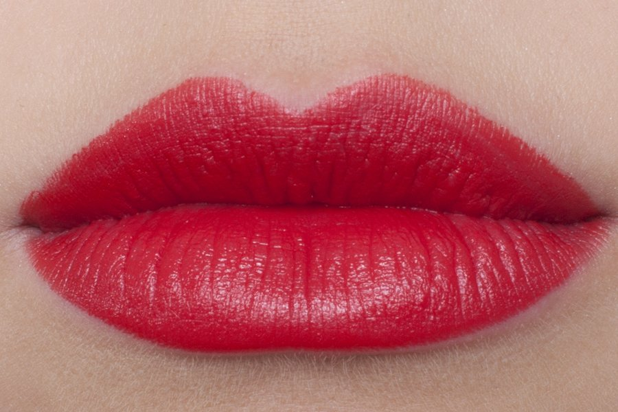 chanel rouge allure 176 independante swatch