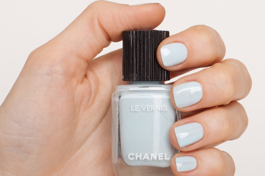 Chanel-le-vernis-584-swatch