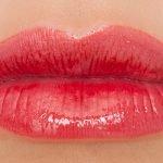 блеск для губ Rouge Coco Gloss Chanel 738 Amuse-Bouche – ярко-розовый