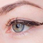 UD-razor-sharplong-wear-liquid-eyeliner-Dark-force-swatch1