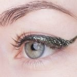 UD-razor-sharplong-wear-liquid-eyeliner-Zodiac swatch1