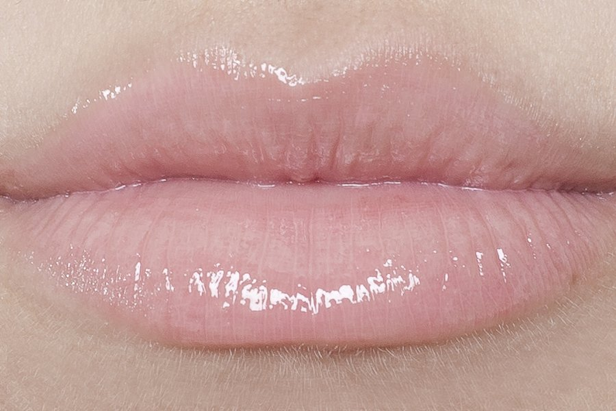 Блески для губ Pink Muse Miss Pupa Gloss, Pupa свотчи