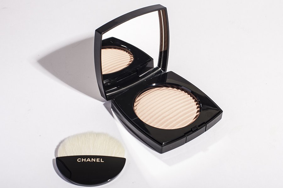 chanel les beiges light
