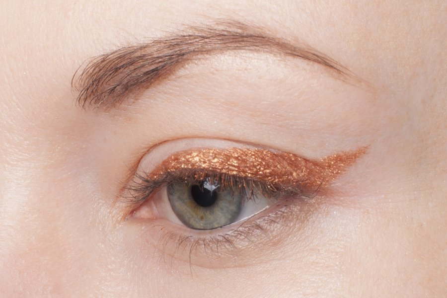clarins waterproof eye pencil 07 copper swatch1