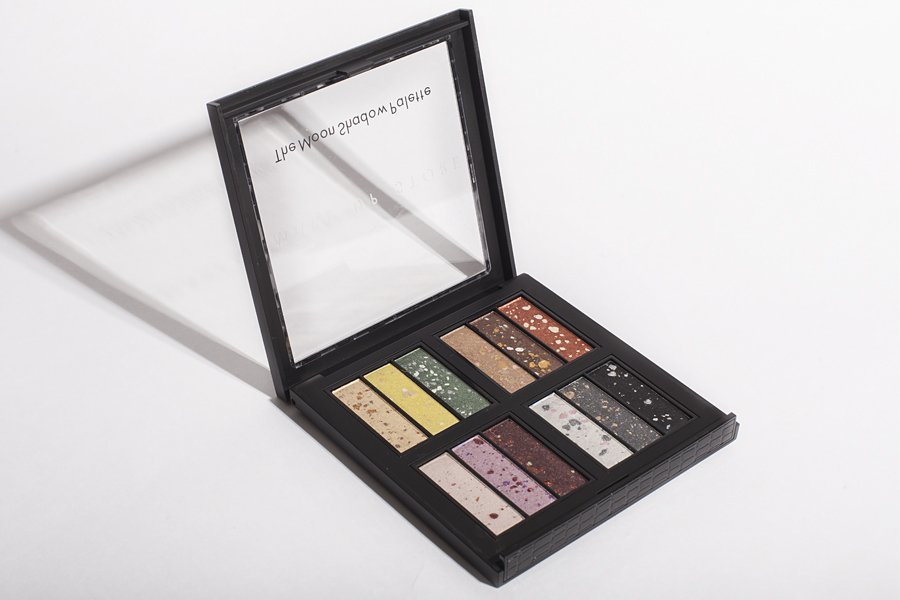 make up store the moon shadow palette