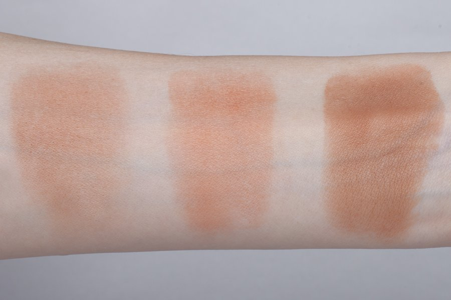 clarins poudre soliel and blush swatch1